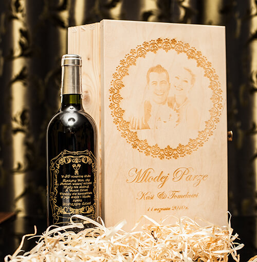 Personalización de botellas y cajas de vino