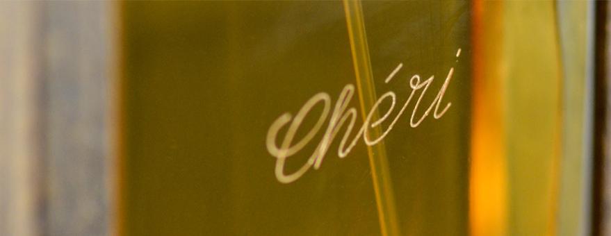 Perfumes personalizados mediante grabado